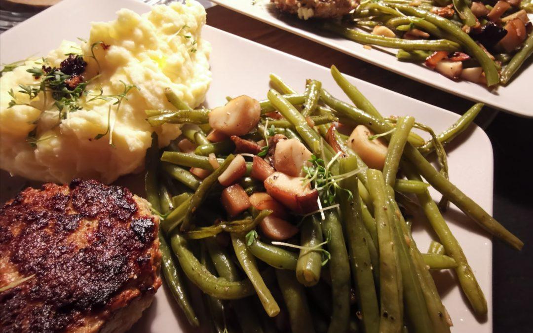 Klöpschen mit Pilz-Bohnen und Kartoffelstampf