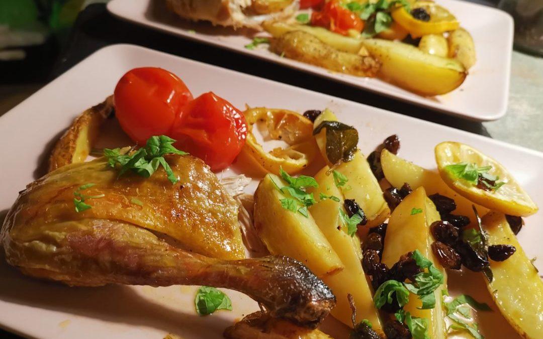 Perlhuhn mit Rosinen und Kartoffelspalten