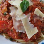 Spagetti mit Tomaten-Thunfischsoße