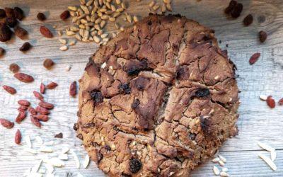 Brot aus Kastanienmehl und Trockenfrüchten