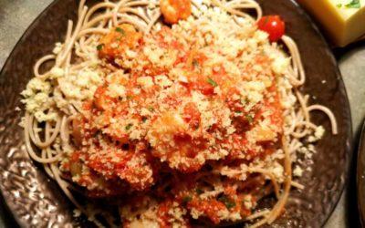 Scampi mit Tomaten Soße und Dinkelspagetti