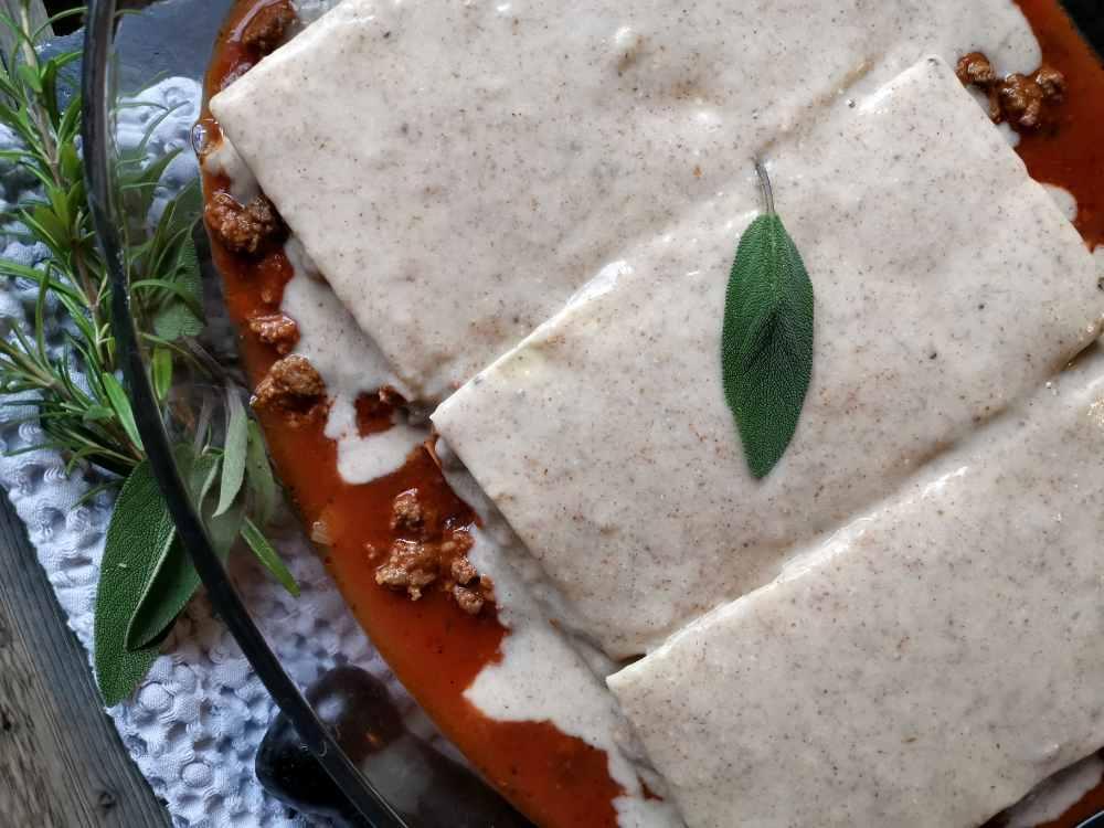 Lasagneplatten mit Bolognese und Béchamelsauce