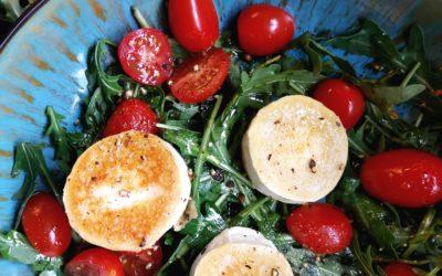 Gratinierter Ziegenkäse mit Rucola und Tomaten