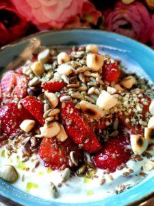 Quark mit Erdbeeren und Kefir