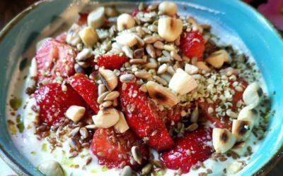 Kefir-Quark mit Erdbeeren