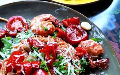 Spagetti mit Knoblauch-Scampi und Soße aus frischen Tomaten
