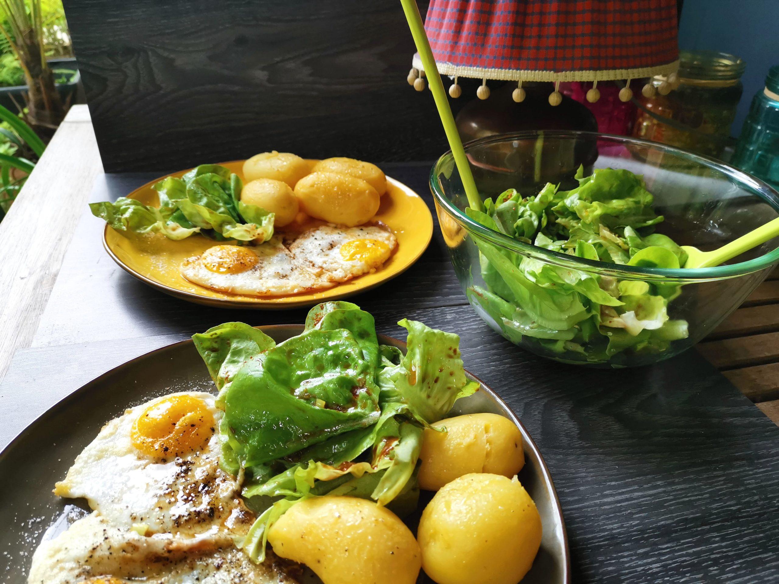 Pellkartoffeln mit süßem Salat