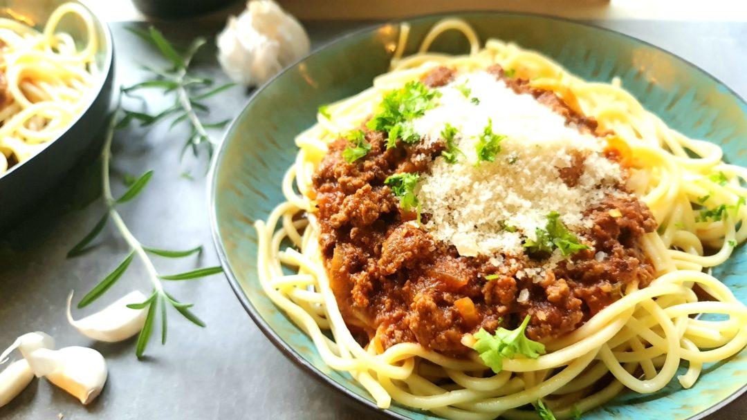 Spagetti Bolognese mit Parmesan