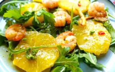 Chili-Garnelen mit Orangen auf Rucola