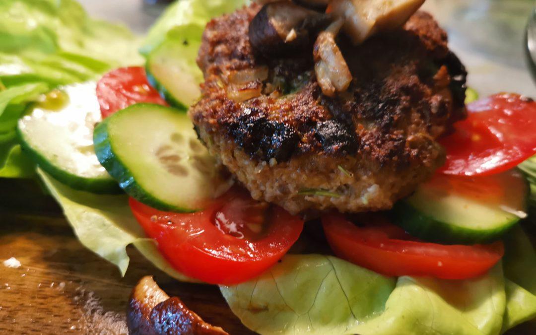 Rindfleisch-Buletten mit Rosinen